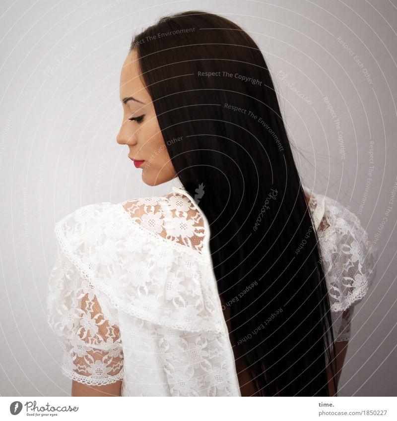 . Mensch schön Einsamkeit ruhig feminin außergewöhnlich Zeit Haare & Frisuren ästhetisch beobachten Romantik Sicherheit Schutz Kleid Gelassenheit Inspiration