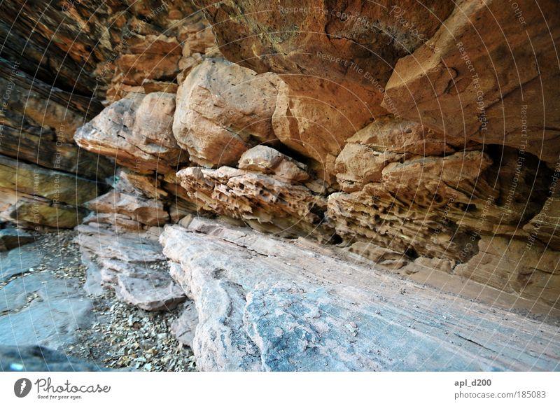 Steinig Natur alt Sommer gelb Berge u. Gebirge Umwelt grau Zufriedenheit Kraft gold Felsen ästhetisch stehen leuchten Schlucht