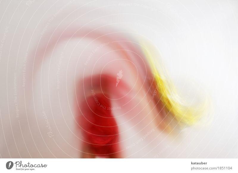 dissolve Lifestyle elegant Sport Körper 1 Mensch Kunst Tanzen Bewegung fliegen springen ästhetisch sportlich außergewöhnlich schön weich gelb rot Freude