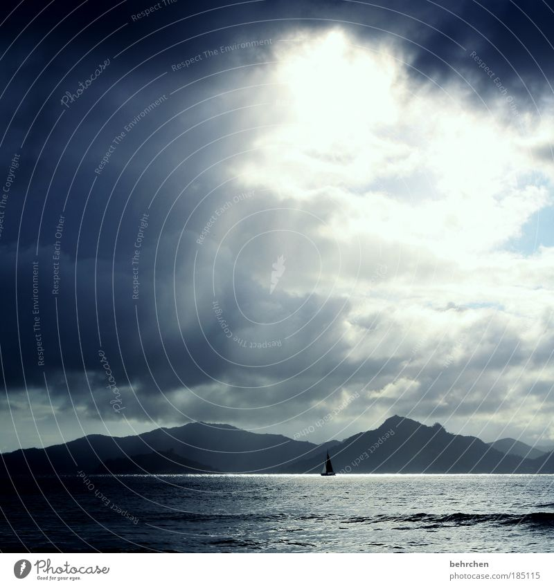 unwetterwarnung Himmel Strand Ferien & Urlaub & Reisen Meer Wolken Ferne Freiheit Berge u. Gebirge Wellen Zufriedenheit Wind Kraft Wasserfahrzeug Insel
