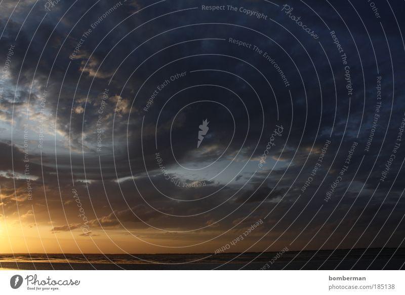 apocalypse please Umwelt Natur Wasser Himmel Wolken Horizont Sonne Sonnenlicht Sommer Klima Wetter Küste Strand Nordsee bedrohlich dunkel gigantisch Meer