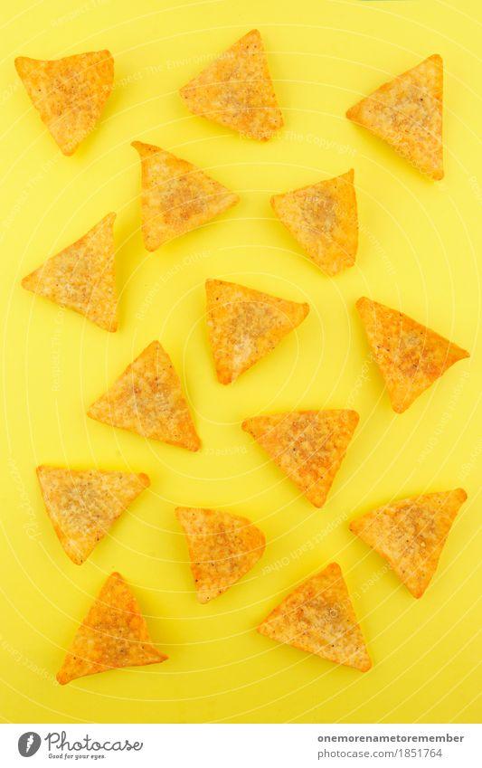 nacho nacho man Lebensmittel Symmetrie Nacho Snack Snackbar ungesund Kalorie Kalorienreich gelb Gelbstich gelbgold gelb-orange Dreieck Fastfood