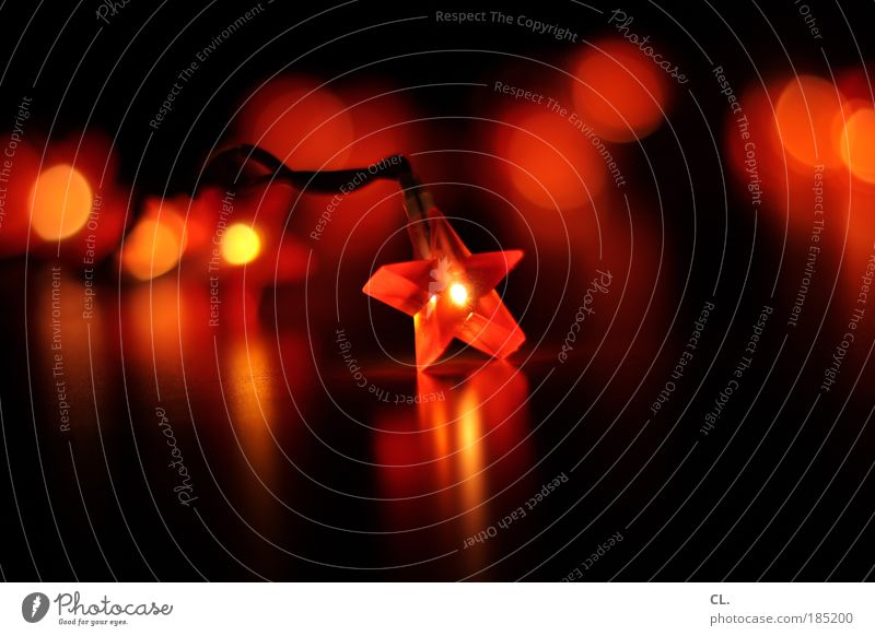 xmas Dekoration & Verzierung Veranstaltung Weihnachten & Advent Kitsch Krimskrams Zeichen Stern (Symbol) leuchten ästhetisch dunkel rot schwarz Gefühle Stimmung