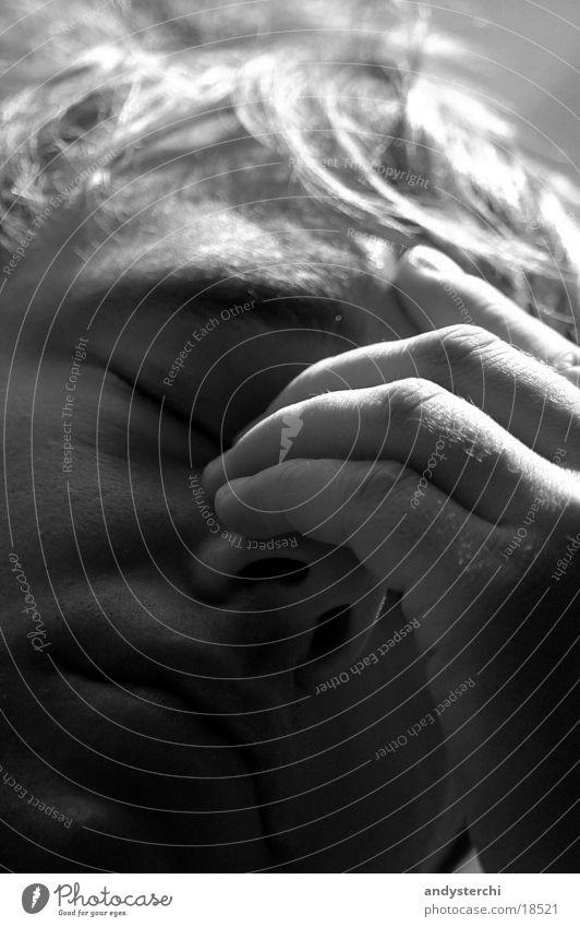 Kopfschmerzen Hand Finger Licht Mann Schmerz Schwarzweißfoto Gesicht Schatten rassiert