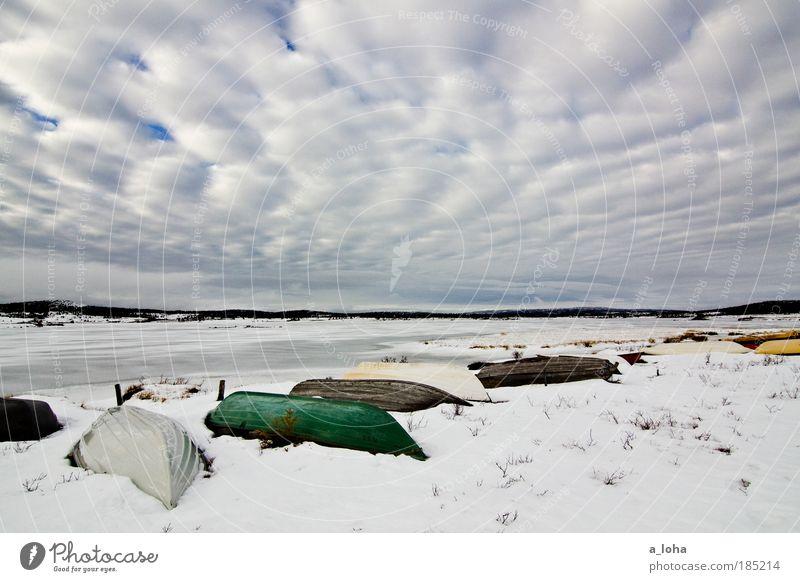 tiefschlaf Natur Wasser alt Himmel Ferien & Urlaub & Reisen Wolken Einsamkeit Ferne kalt Schnee Gras See Landschaft Eis Linie Wetter