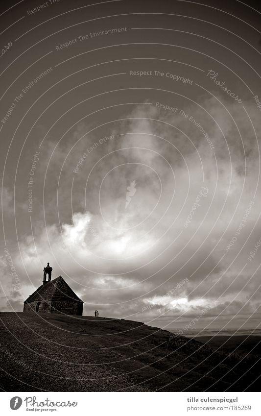 . Ferien & Urlaub & Reisen Wolken Ferne dunkel Herbst Berge u. Gebirge Freiheit Gebäude Landschaft Luft Ausflug Kirche Frankreich Himmel Moor Gotteshäuser