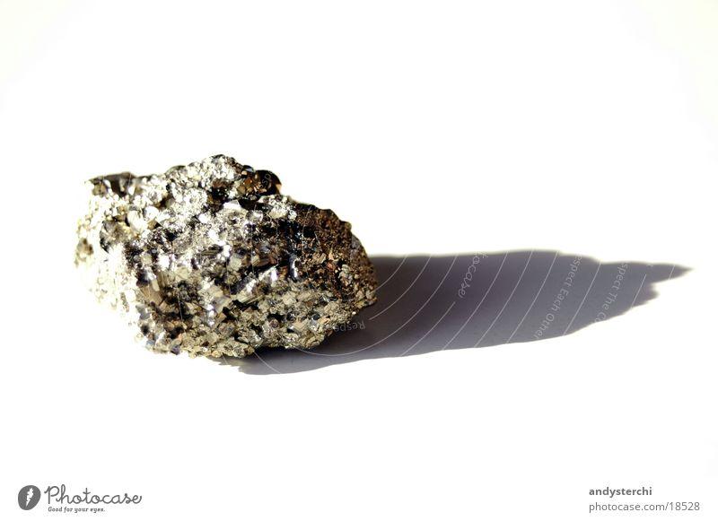 Katzengold 2 Pyrit weiß glänzend gelb Mineralien Dinge Stein Schatten Biotit