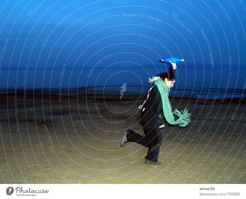 Frau Mensch Himmel Jugendliche Wasser blau grün Freude Strand Erwachsene Leben Bewegung Energie rennen Fröhlichkeit