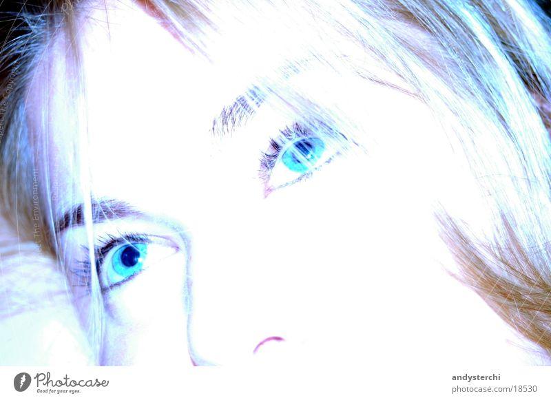 Blaue Augen blond Weißabgleich weiß Frau Haare & Frisuren Gesicht Nase