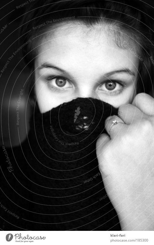 sw Mensch feminin Junge Frau Jugendliche Kopf Haare & Frisuren Gesicht Auge Nase Finger 1 Einsamkeit Schwarzweißfoto
