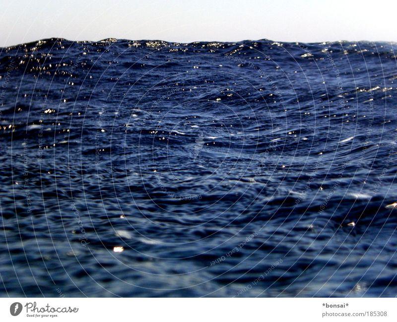 lost... Himmel Natur blau Wasser Ferien & Urlaub & Reisen Sonne Meer Ferne dunkel Bewegung Wellen Kraft nass Ausflug bedrohlich tauchen