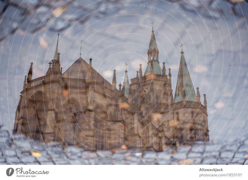 Dompfützchen II Erfurt Stadt Stadtzentrum Altstadt Kirche Bauwerk Gebäude Architektur Sehenswürdigkeit Wahrzeichen Glaube Religion & Glaube Pfütze Wasser