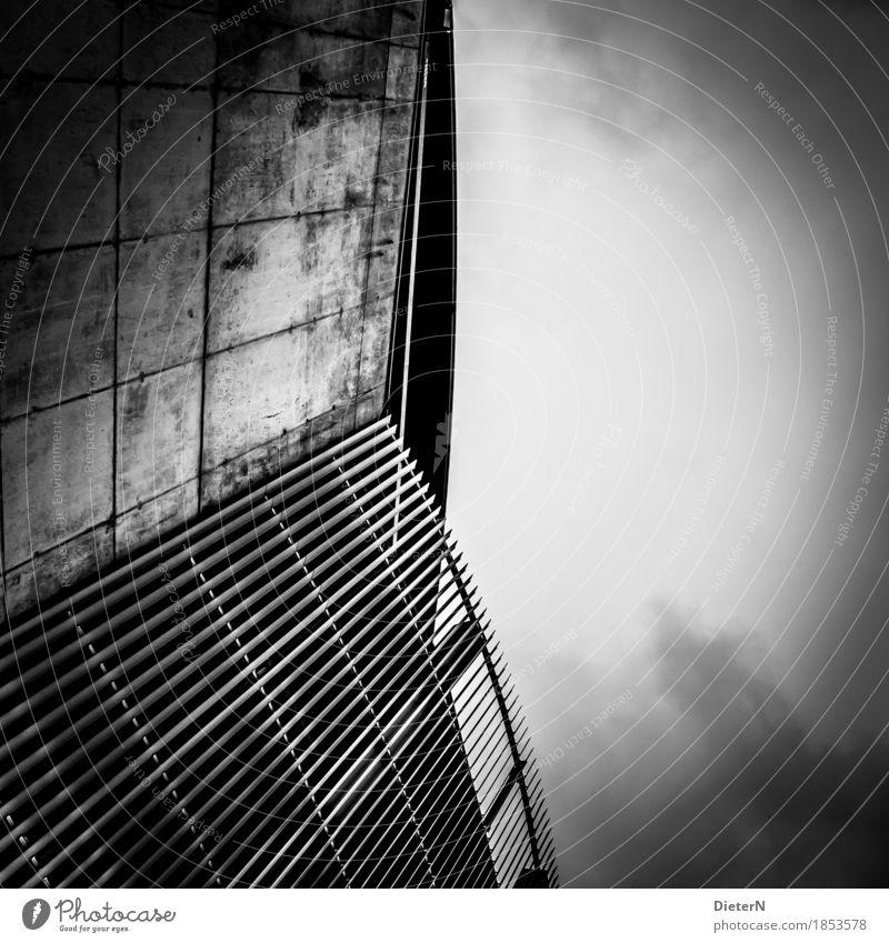 Linien Himmel Stadt weiß Wolken Haus schwarz Architektur Wand Gebäude Mauer grau Fassade Bauwerk himmelwärts