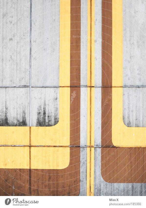 Aufwärts alt Haus Farbe Wand Stein Mauer dreckig Fassade Beton modern trist retro trashig Verfall aufwärts Renovieren