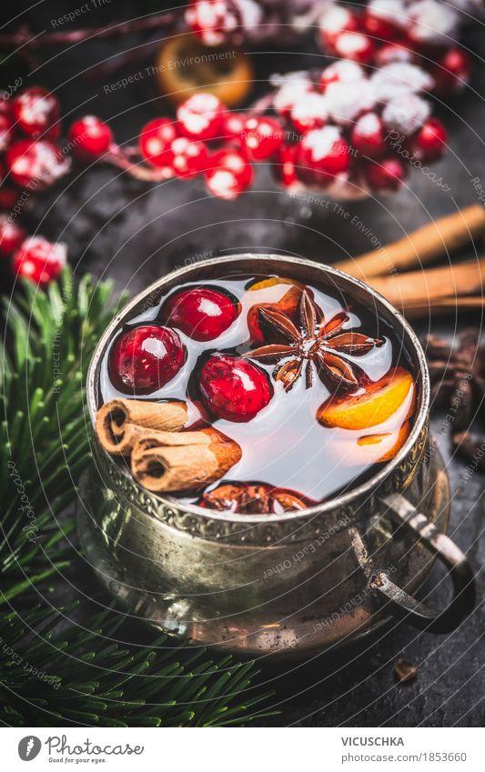 Alte Tasse mit Glühwein Frucht Kräuter & Gewürze Festessen Getränk Heißgetränk Stil Design Freude Winter Tisch Feste & Feiern Weihnachten & Advent Wärme