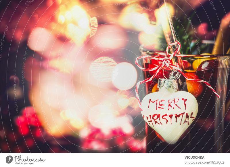 Weihnachten Bokeh Hintergrund mit Glas Glühwein Festessen Getränk Heißgetränk Tasse Lifestyle Stil Design Freude Winter Party Veranstaltung Restaurant