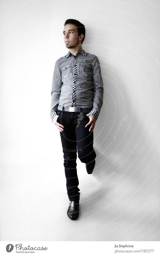 fancypants Mann Mensch Jugendliche Ganzkörperaufnahme Stil Erwachsene elegant Mode Erfolg maskulin ästhetisch Textfreiraum Denken Coolness stehen nachdenklich
