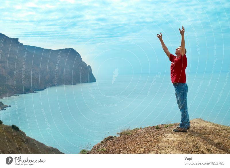 Mensch Himmel Natur Ferien & Urlaub & Reisen Jugendliche Mann blau Sommer Wasser weiß Sonne Junger Mann Meer Hand Landschaft rot