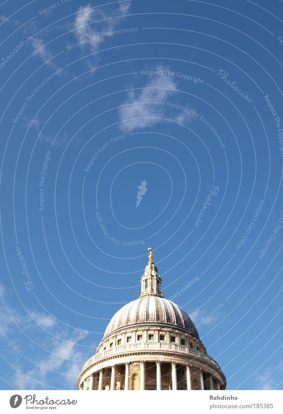 architektonisches Sahnehäubchen Kultur Himmel Schönes Wetter London Großbritannien England Europa Menschenleer Kirche Dom Bauwerk Gebäude Architektur Dach
