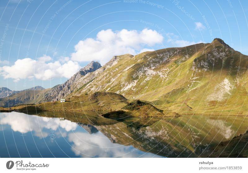Berge, die im alpinen See reflektiert werden Berge u. Gebirge Natur Landschaft Himmel Wolken Hügel Felsen Alpen Gipfel blau Symmetrie Wasser Wolkenlandschaft