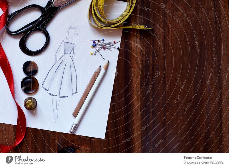 Modedesign_1853898 Mode Design Freizeit & Hobby Kreativität Papier planen Schnur Kleid Stillleben machen Rock Holztisch Entwurf Knöpfe Bleistift Nähen