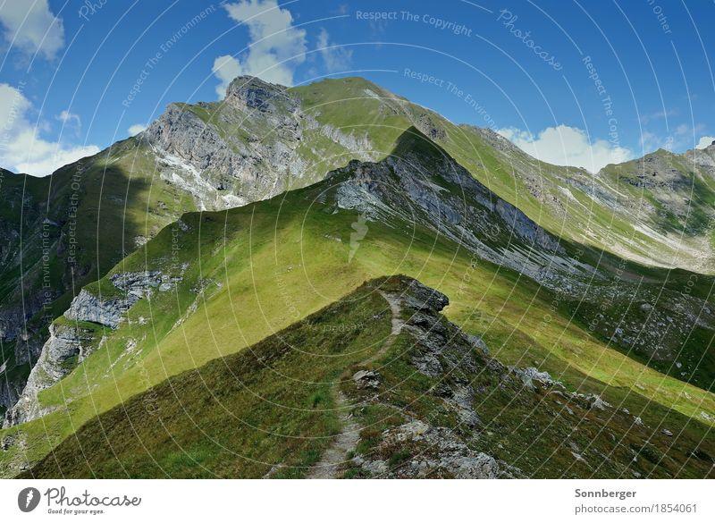 Licht und Schatten Natur Landschaft Himmel Sommer Schönes Wetter Gras Felsen Alpen Berge u. Gebirge Gipfel grün ruhig Stimmung Wege & Pfade wandern