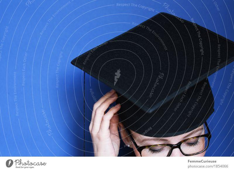 Graduierung_1854066 feminin Junge Frau Jugendliche Erwachsene Mensch 18-30 Jahre Erfolg Studium Absolventin Ziel Abschlussball Doktorgrad Mütze Hut