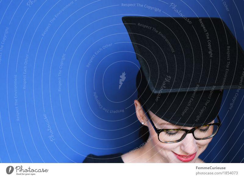Graduierung_1854073 feminin Junge Frau Jugendliche Erwachsene Kopf Gesicht Mensch 18-30 Jahre Erfolg Bildung Berufsausbildung Studium Ziel Absolventin Student