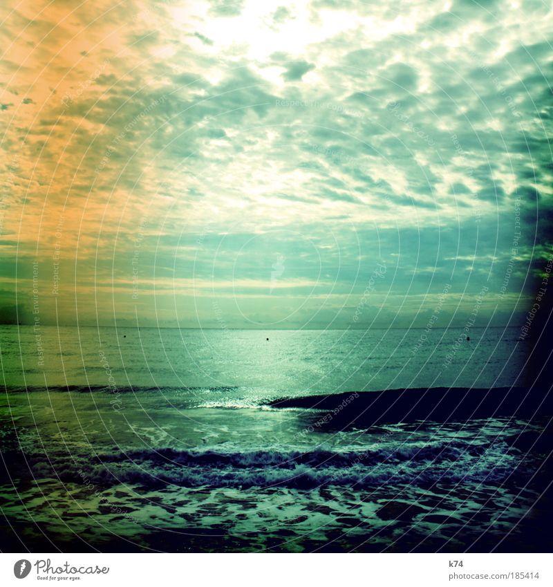 marbella Wasser Himmel Meer Strand Ferne Landschaft Wellen Küste glänzend Wetter groß frei Horizont Gegenlicht Urelemente Ostsee