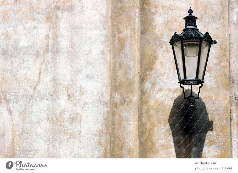 Schatten Lampe Wand Mauer Laterne historisch
