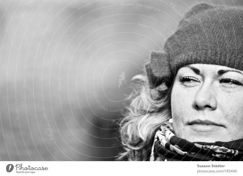 Suse`s Secret Mensch Jugendliche Gesicht Auge feminin Haare & Frisuren träumen Kopf Denken Mund blond Erwachsene Wind Nase Frau Lippen
