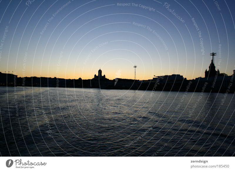 Goodbye Helsinki Meer Herbst Küste Hafen Sehnsucht Idylle Skyline Fernweh Finnland Gastfreundschaft Bootsfahrt Hafenstadt Passagierschiff