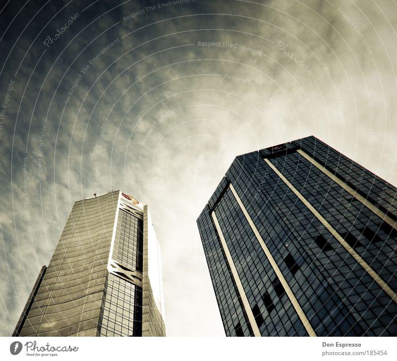 Metropolis Himmel Stadt Haus Wolken Arbeit & Erwerbstätigkeit Fenster Luft Business Architektur Erfolg Hochhaus Fassade modern Bankgebäude Geldinstitut