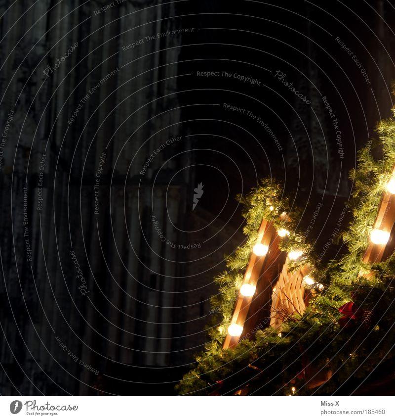Ulmer Weihnachtsmarkt Weihnachten & Advent schön Winter dunkel Religion & Glaube Stimmung hell Feste & Feiern Beleuchtung glänzend groß Nacht Kirche leuchten Hütte Christbaumkugel