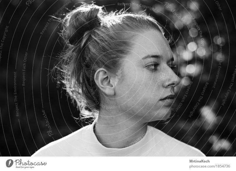 i can feel everything. Mensch feminin Junge Frau Jugendliche Erwachsene 1 13-18 Jahre 18-30 Jahre Natur Stimmung Zufriedenheit Tapferkeit selbstbewußt Coolness