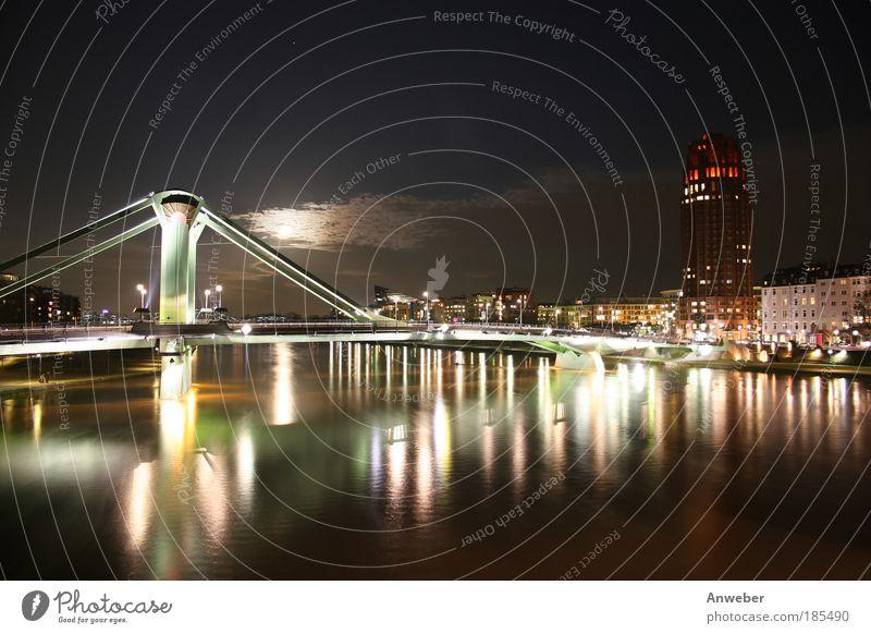 Frankfurter Flößerbrücke und Main Plaza mit Mond Umwelt Natur Wasser Nachthimmel Küste Flussufer Frankfurt am Main Hessen Deutschland Europa Hafenstadt Skyline