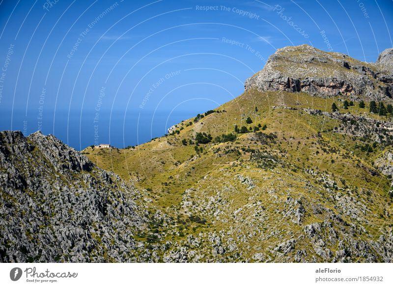 Himmel Natur Ferien & Urlaub & Reisen blau Sommer grün Wasser Meer Landschaft Erholung Berge u. Gebirge Wärme Küste Freiheit grau Felsen