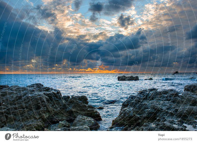 Seelandschaft mit schlechtem Wetter, Sonnenuntergang und Felsen Himmel Natur Ferien & Urlaub & Reisen blau Farbe Sommer Wasser weiß Meer Landschaft rot Wolken