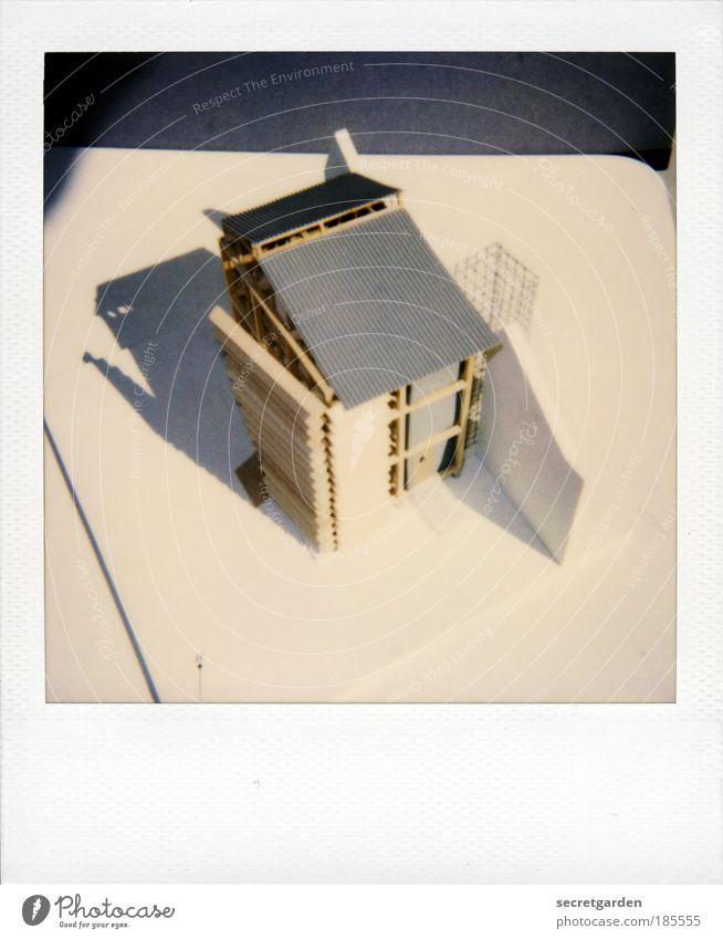 träume von damals Haus Baustelle weiß Holz Architektur grau Stil Gebäude Kunst Vogelperspektive planen Perspektive Häusliches Leben Mensch einzigartig