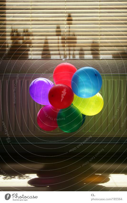 wohnzimmerparty Freude Leben Spielen Glück Party Feste & Feiern Freizeit & Hobby Raum Wohnung Fröhlichkeit Innenarchitektur Häusliches Leben Luftballon einzigartig Kerze Dekoration & Verzierung