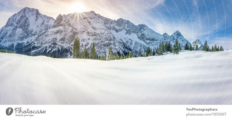 Snowy Berge und Tal Freude Ferien & Urlaub & Reisen Tourismus Winter Schnee Winterurlaub Berge u. Gebirge Weihnachten & Advent Silvester u. Neujahr Natur