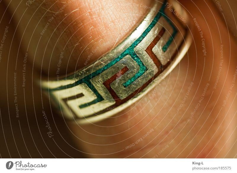 Fingerring schön blau rot Metall Haut Finger rund einzigartig Warmherzigkeit Schmuck Ring silber Partnerschaft Ornament Symmetrie Identität