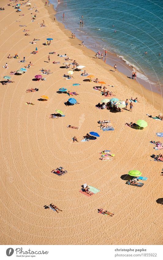 Vogelperspektive von Menschen am Strand Meer Tourismus Ferien & Urlaub & Reisen Sommerurlaub Pauschalreise Sonnenbad Erholung Schwimmen & Baden Menschenmenge