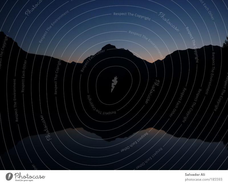 No See but Motorhaubenglanz Nachthimmel Sonnenaufgang Sonnenuntergang Berge u. Gebirge Gipfel Glacier Nationalpark Montana USA Metall Ferne gigantisch kalt blau