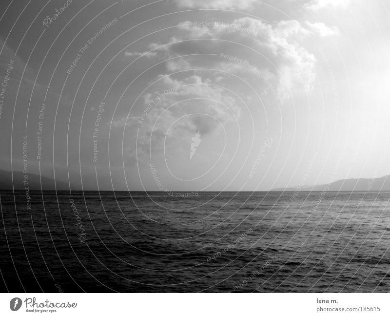 sun has not always to be colourful... Wasser schön Himmel Meer ruhig Ferne Horizont ästhetisch Schönes Wetter