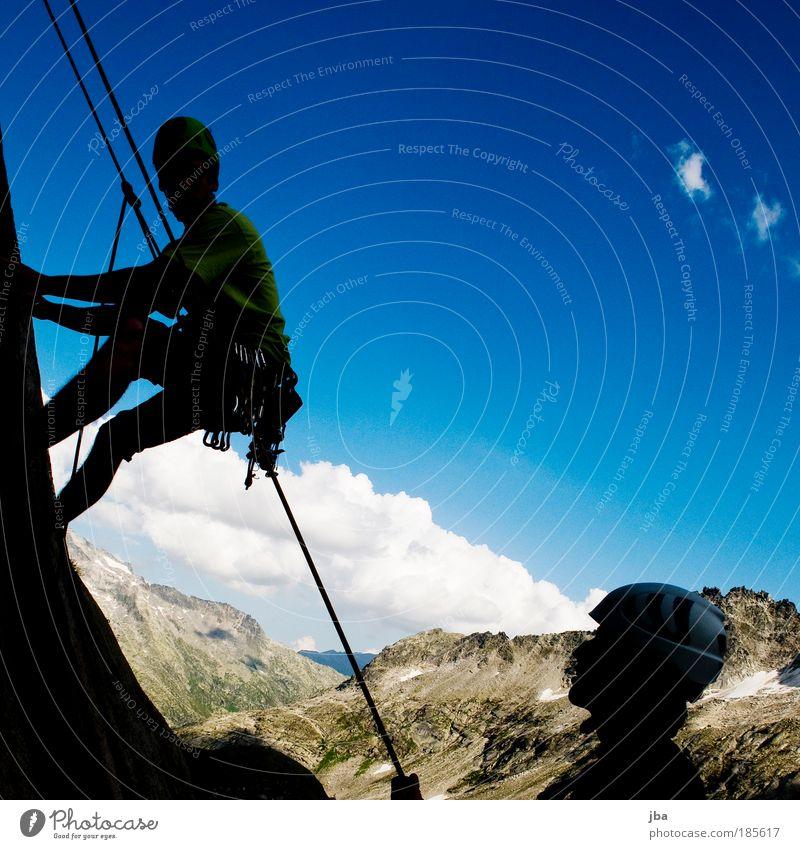 hast du mich? Mensch Himmel Natur Herbst Landschaft Freiheit Berge u. Gebirge Freundschaft Freizeit & Hobby Felsen Sport Ausflug maskulin Ferien & Urlaub & Reisen Seil T-Shirt