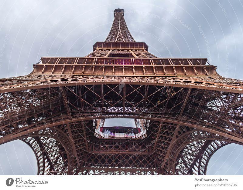 Untere Ansicht des Eiffelturms Ferien & Urlaub & Reisen Stadt Architektur Gebäude Tourismus Design Metall einzigartig Bauwerk Sehenswürdigkeit Frankreich