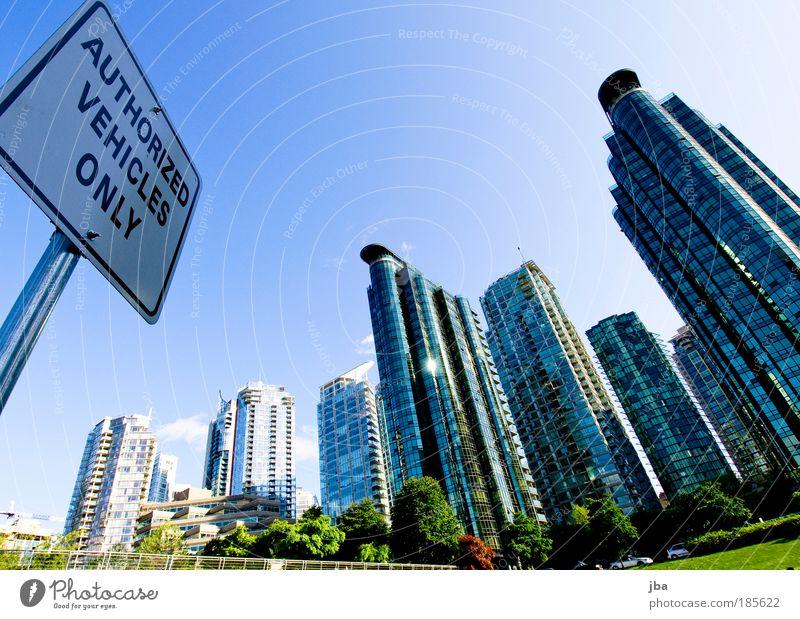 authorized? Stadt Sommer Haus Gebäude Metall Architektur Glas groß hoch neu Bankgebäude Bürogebäude Skyline Hinweisschild Kanada