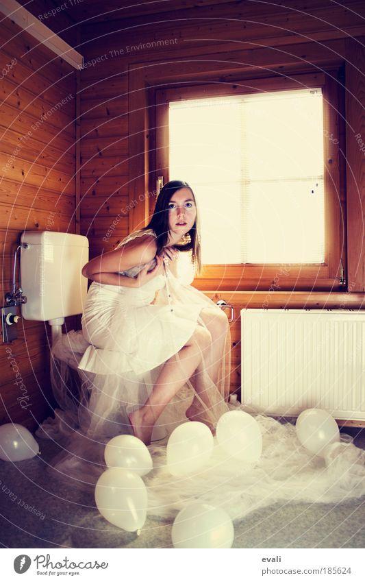 Winter princess schön Wohnung Toilette Fenster Heizkörper feminin Junge Frau Jugendliche Erwachsene Haare & Frisuren Arme Beine Rock Kleid Stoff sitzen