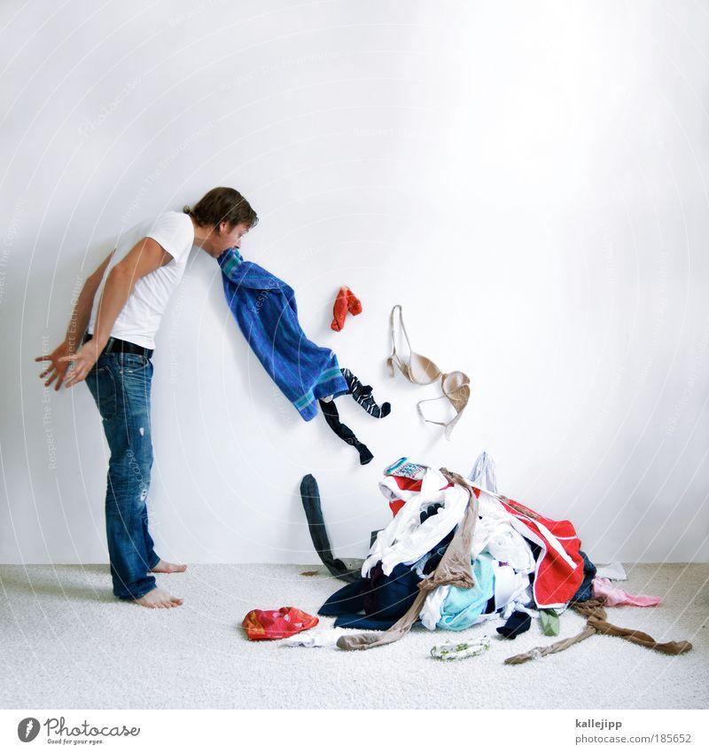 das ist alles nur dummes gewäsch. Lifestyle Häusliches Leben Innenarchitektur Raum Mensch maskulin Mann Erwachsene 1 30-45 Jahre Bekleidung T-Shirt Jeanshose